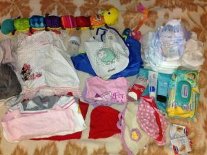 What to carry when going out with baby